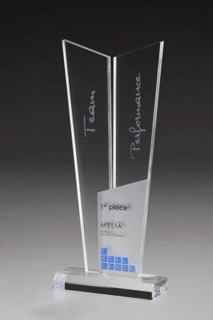 Golfpokal aus Acrylglas mit Gravur Arum Award
