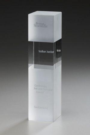Glaspokal mit Gravur online kaufen Cubix Award